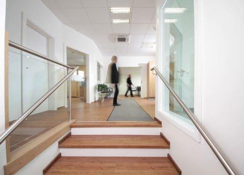 Büromöbel von der Tischlerei Winter für Bauunternehmen Pierer Fladnitz