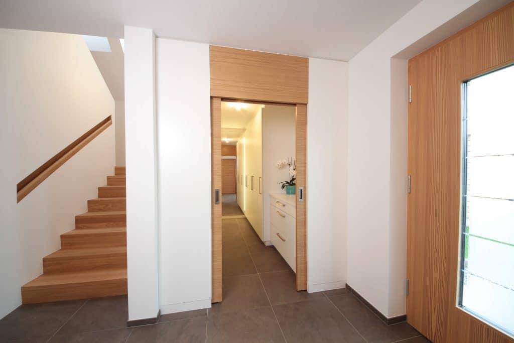 Vorzimmer tischlerei winter for Garderobe vollholz