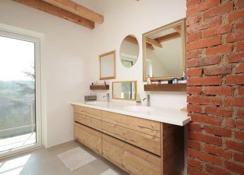 Grifflose Badezimmermöbel mit Waschtisch auf Maß
