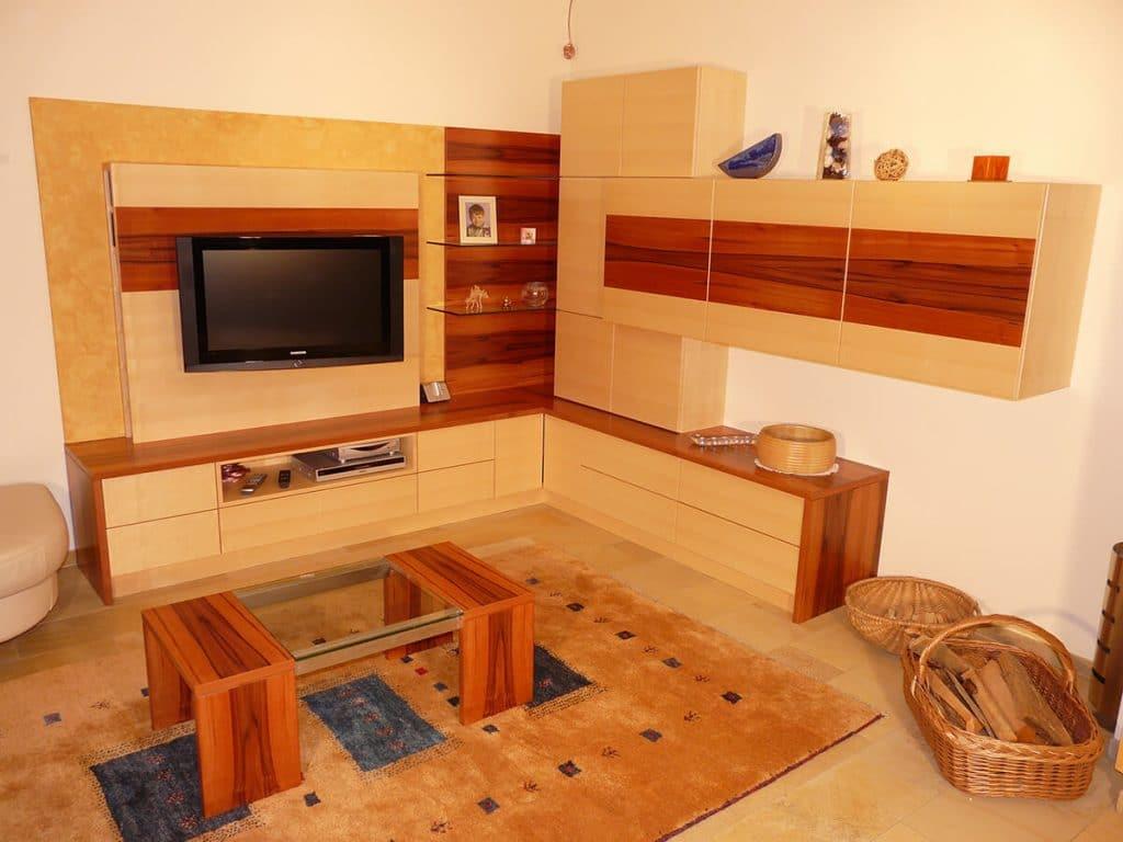 Wohnzimmer tischlerei winter for Couch vom tischler