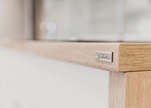 Winter Plakette: Qualitätsgarantie des Tischlers im Mürztal