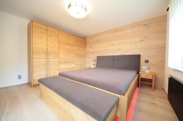 Schlafzimmermöbel aus Vollholz | Tischlerei Winter