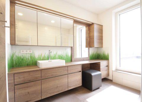 Badezimmermöbel vom Tischler aus Vollholz